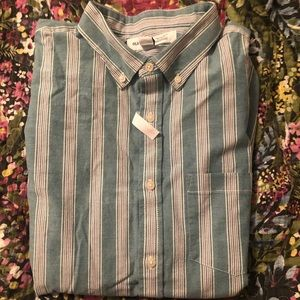 Old Navy Shirts - NEW Old Navy Regular Fit Everyday Shirt
